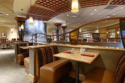 doubletree by hilton hotel denver stapleton north grill en bar.jpg