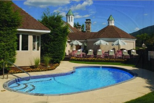 orchards hotel zwembad.jpg