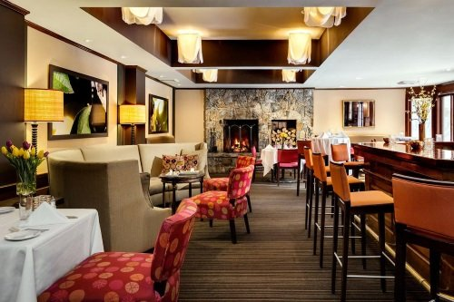 orchards hotel bar restaurant.jpg