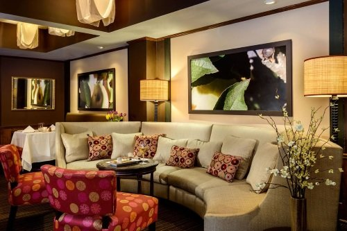 orchards hotel lounge.jpg