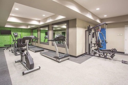 la quinta inn suites grand canyon area williams gym.jpg