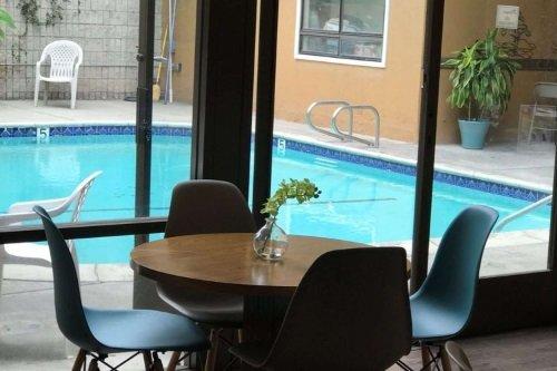 greentree inn & suites alhambra zwembad.jpg