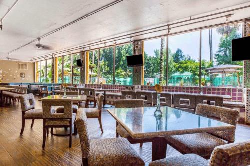 quality inn & suites montebello ontbijruimte.png