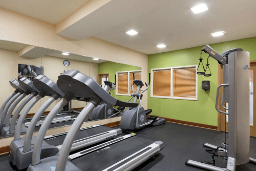 country inn and suites savannah midtown gym.png