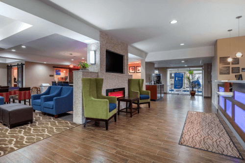 comfort inn and suites montgomery east lobby.png