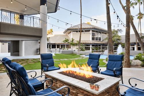 delta hotels phoenix mesa buitenterras.png