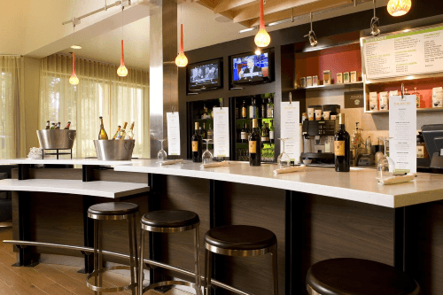 courtyard by marriott sacramento airport bar.png