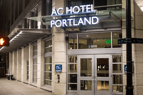 ac hotel by marriott portland downtown buitenkant.png