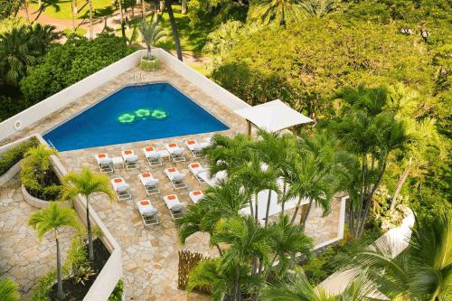 luana waikiki hotel & suites tuin.png