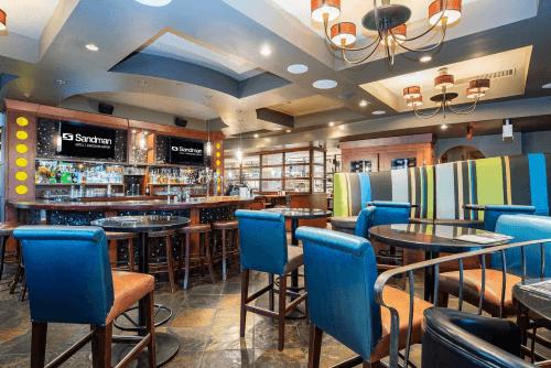 sandman hotel suites vancouver airport bar.png