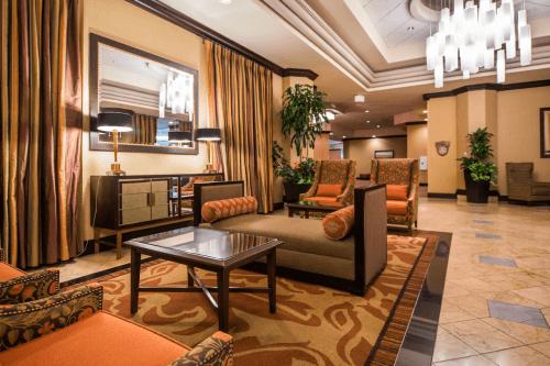 doubletree by hilton modesto lounge.png