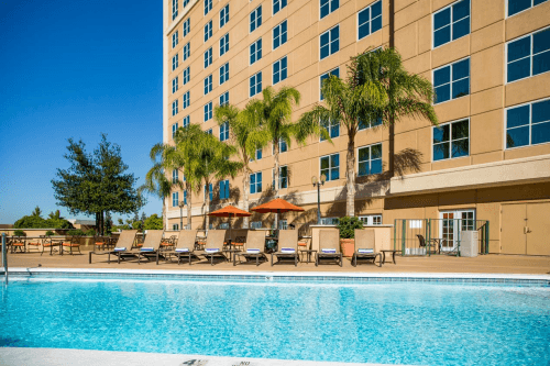 doubletree by hilton modesto zwembad.png