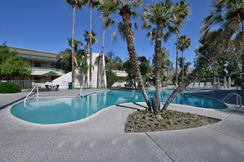 travelodge by wyndham palm springs zwembad.png