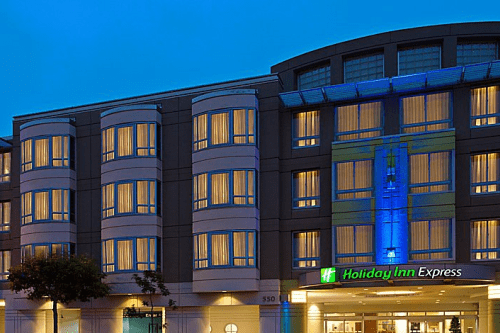 holiday inn express fishermans wharf voorkant.png