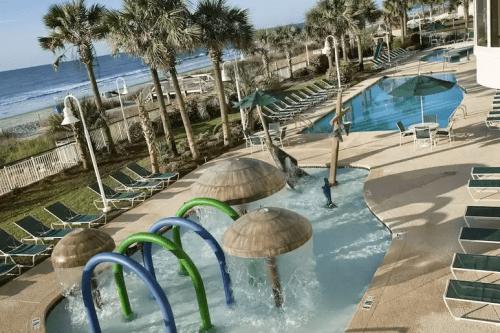 hampton inn suites myrtle beach oceanfront zwembad.png