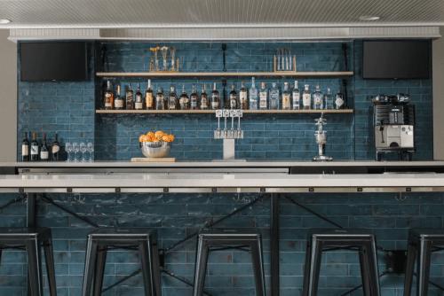 hotel caza bar.png