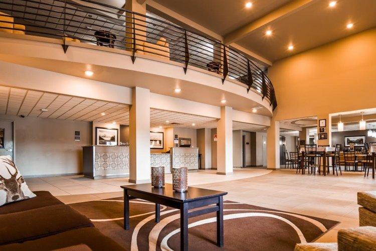 best western plus chena river lodge lounge.jpg