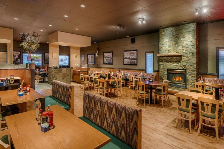 days inn whitehorse restaurant.jpg