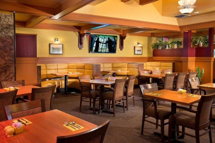 coast inn at lake hood restaurant.jpg