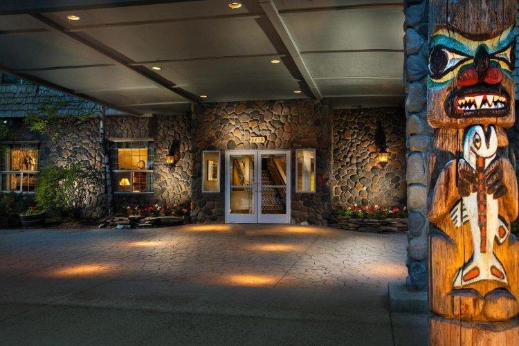 coast inn at lake hood entree.jpg