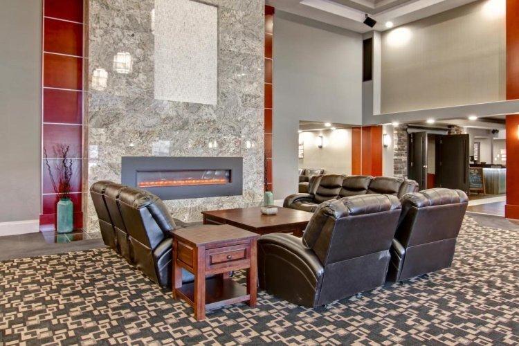 chateau nova yellowknife lounge.jpg
