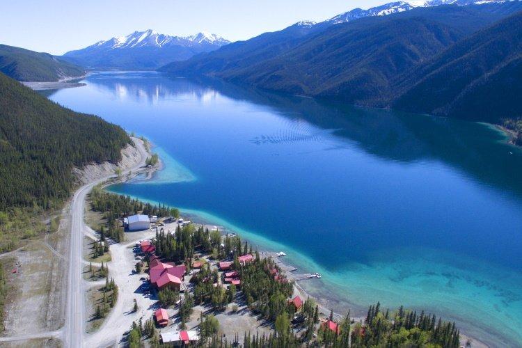 muncho lake 001.jpg