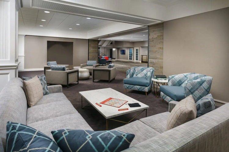 hotel caza lounge.jpg