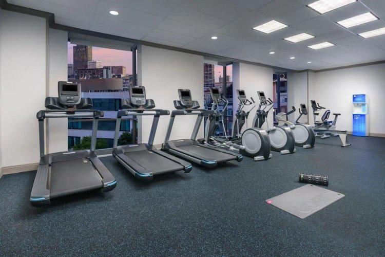 hotel caza gym.jpg