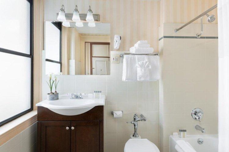 hotel whitcomb badkamer.jpg