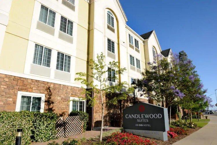 candlewood suites santa maria voorkant.jpg