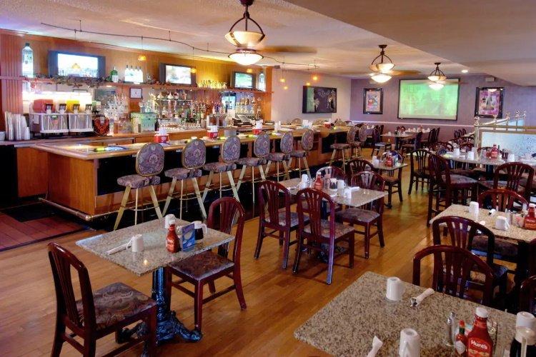 mardi gras hotel & casino bar.jpg