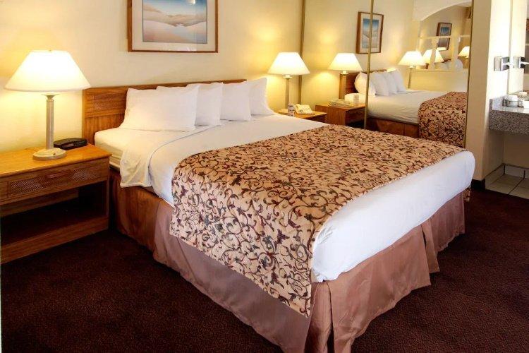 mardi gras hotel & casino bedden.jpg