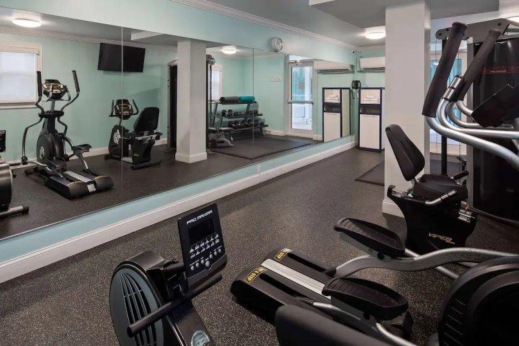 best western plus oceanside inn fitness.jpg