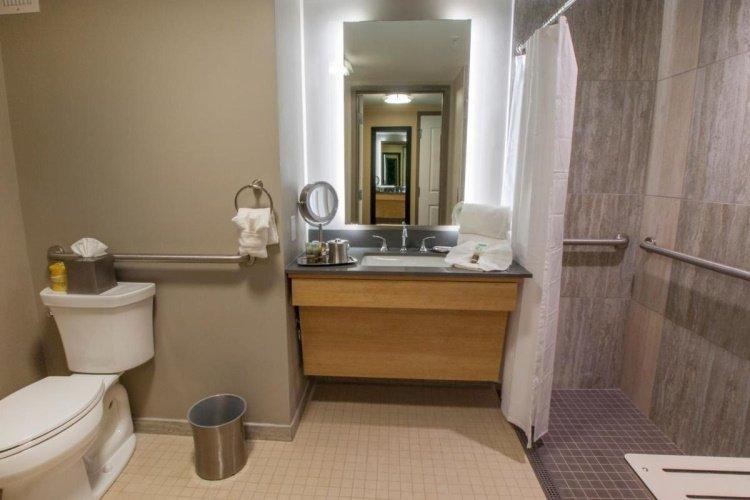 the hotel ithaca badkamer.jpg