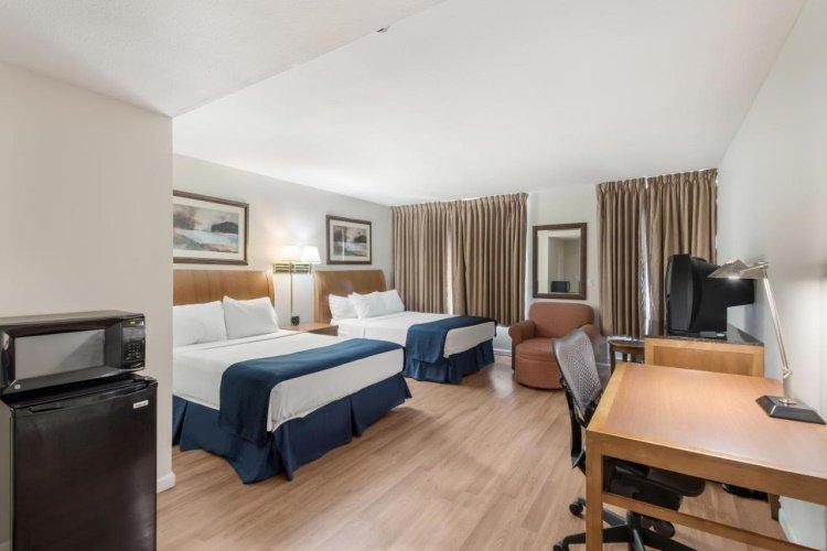 america's best value lodge on the green kamer met 2 bedden.jpg