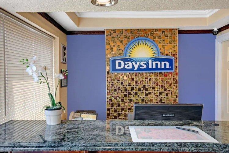 days inn by wyndham san francisco lombard receptie.jpg