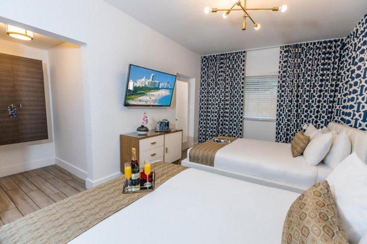 oceanside hotel kamer met 2 bedden.jpg