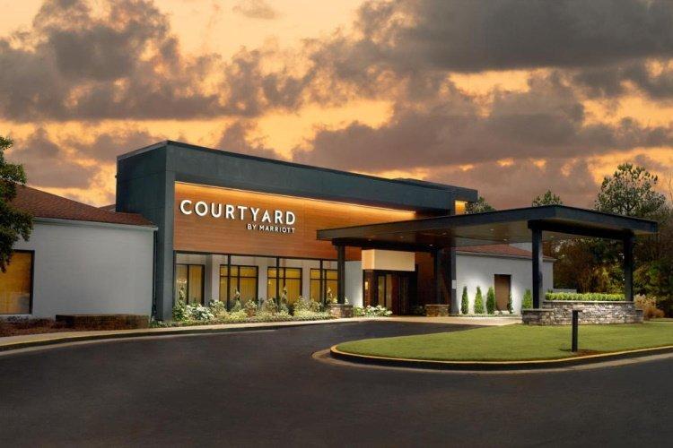 courtyard by marriott atlanta airport south voorkant.jpg
