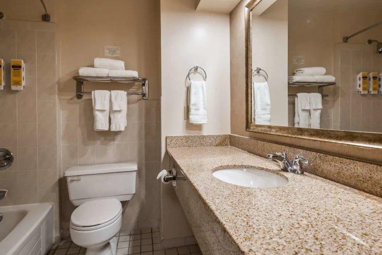 best western cairn croft hotel badkamer.jpg