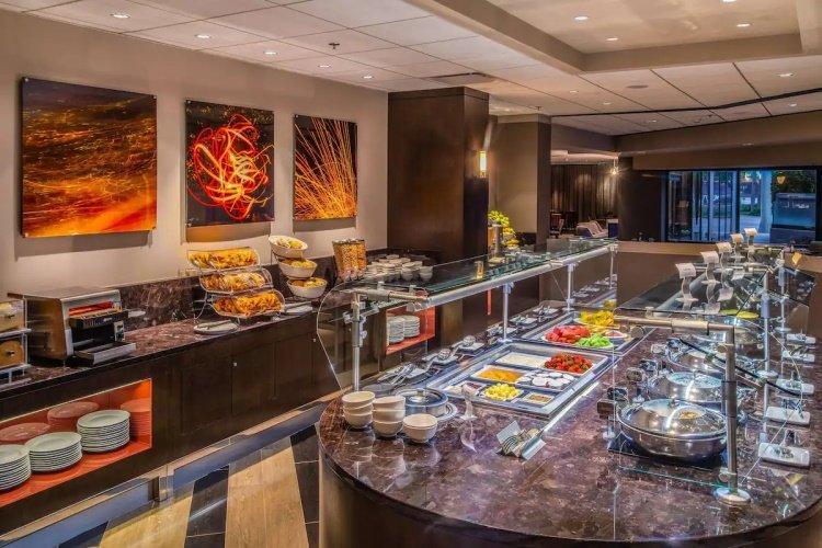 sonesta los angeles airport lax buffet restaurant.jpg