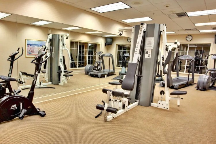 sonesta anaheim resort area fitness.jpg
