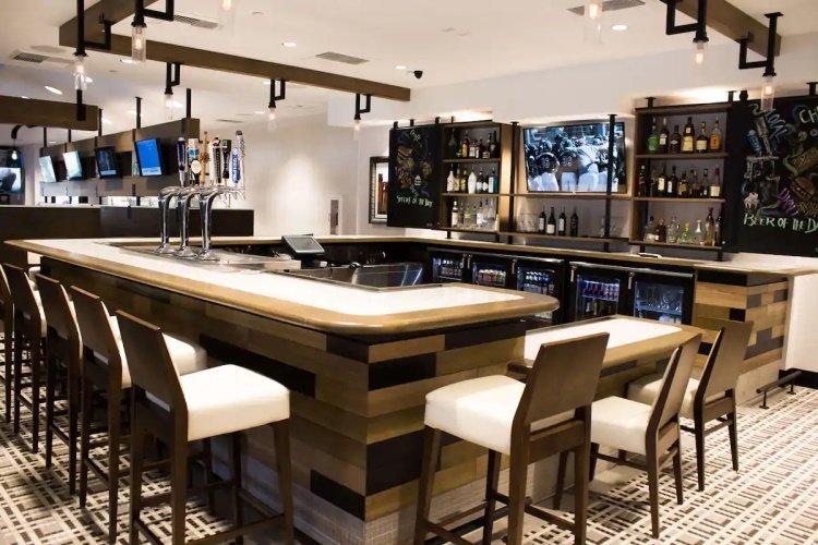 sonesta anaheim resort area bar.jpg