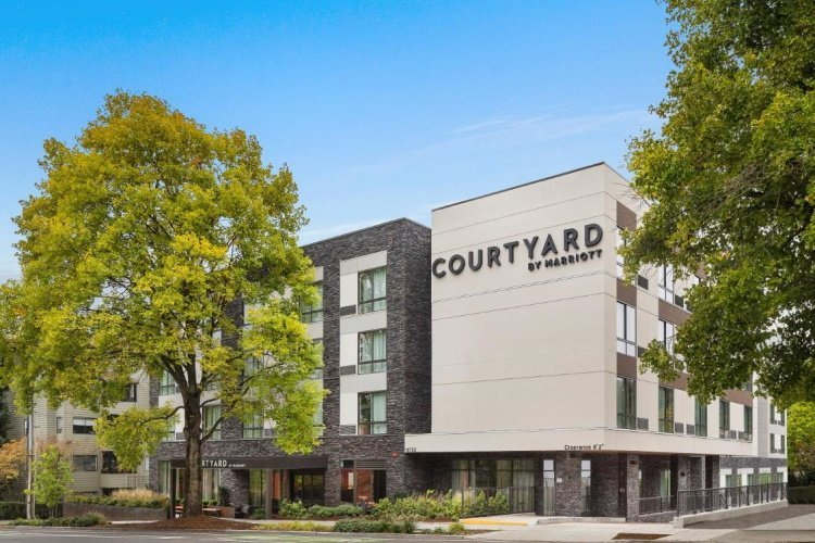 courtyard by marriott seattle northgate buitenkant.jpg