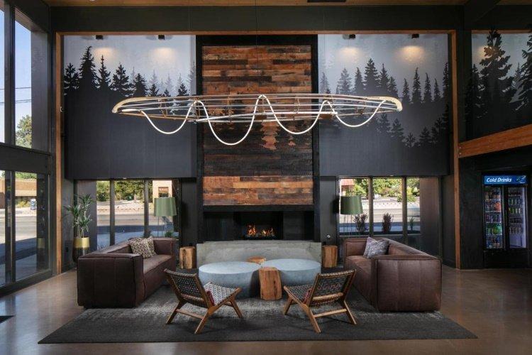 waypoint hotel lounge.jpg