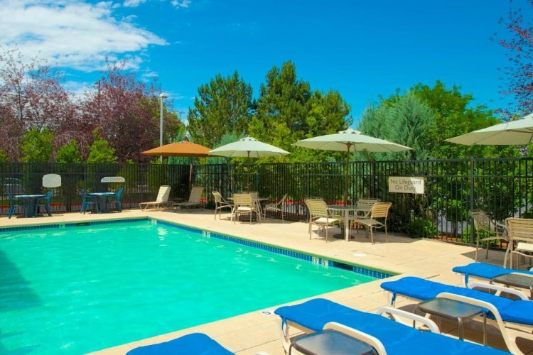 springhill suites by marriott boise parkcenter zwembad.jpg