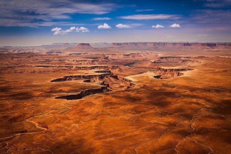 canyonlands national park canyonlands-national-park-2584120_1280.jpg