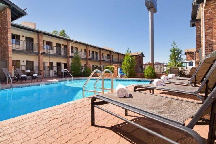 best western arizonian inn zwembad.jpg