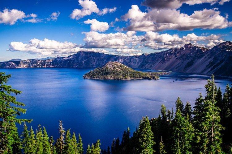 crater lake national park 051659.jpg