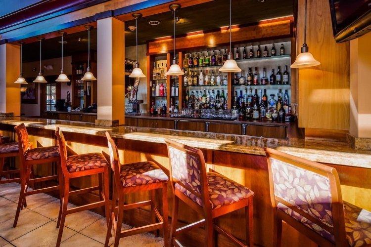 best western plus el rancho inn bar.jpg