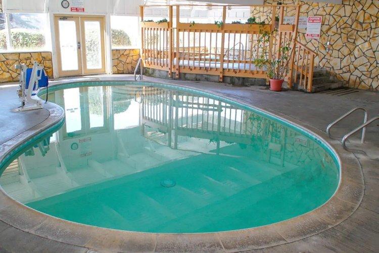 silver surf motel zwembad.jpg
